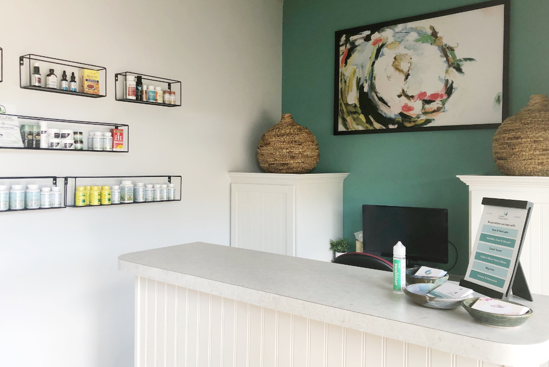 front office area of modern acupuncture in oviedo florida